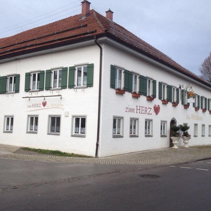 Fassadengestaltung Gasthof zum Herz in Roßhaupten