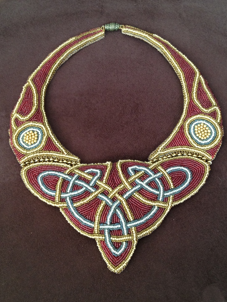 Celtic knot collar in bead embroidery this can be found