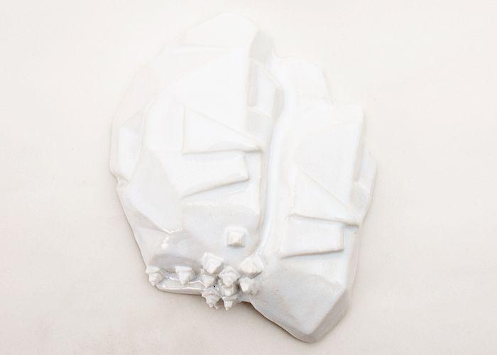 Mona Vander - Vægrelief i porcelæn - Tinga Tango Designbutik.