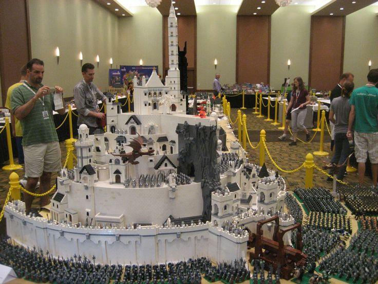 Minas tirith en légo , le seigneur des anneaux