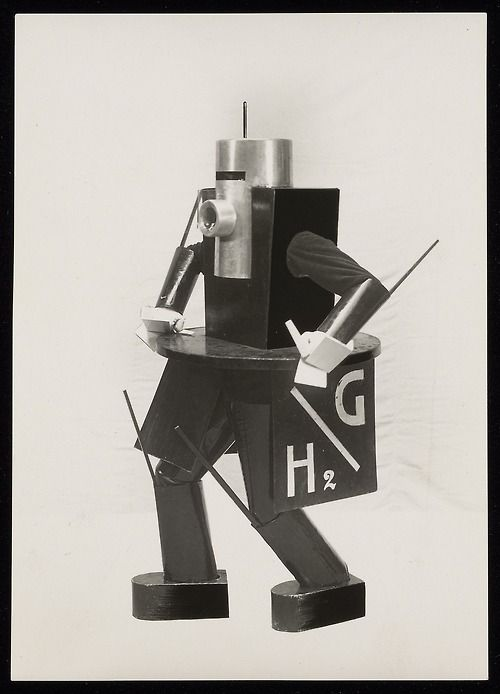 Photograph of a futuristic costume model for L'Angoisse des Machines (by Ruggero Vasari), designed by Ivo Pannaggi in 1926