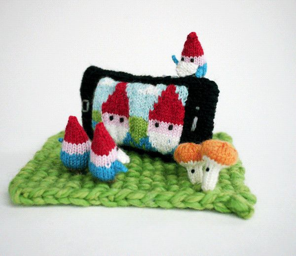 Apparently, even gnomes are susceptible to the temptation of taking a selfie, as this little knitted sculpture by Anna Hrachovec of Mochimochi Land definitively proves.