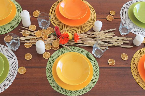 Set composto da due sottopiatti  lavorati a mano ad uncinetto Idea regalo Festa della Mamma Inaugurazione casa Nozze