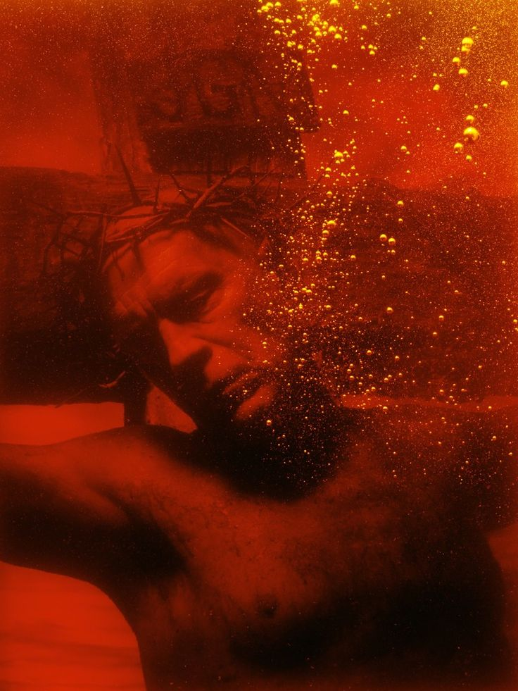 SanDro MiLLeR_Andres Serrano / Piss Christ (1987), 2014
