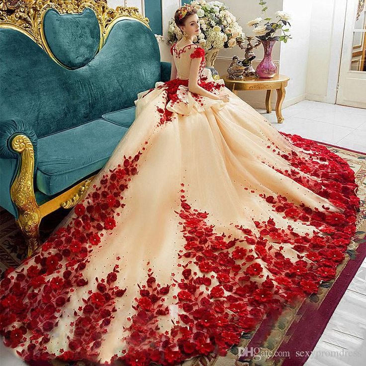 3D Flora Applique Prom Dresses 2018 Champagne And Red Ball Gowns Evening Gowns Peplum Sheer Back Covered Buttons Vintage Bridal Gowns