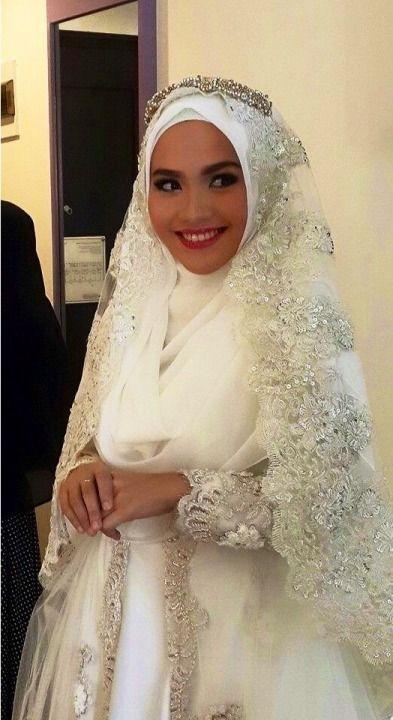 Hijab Wedding Dresses  http://bugelinlik.com/en/wedding-dress/1793