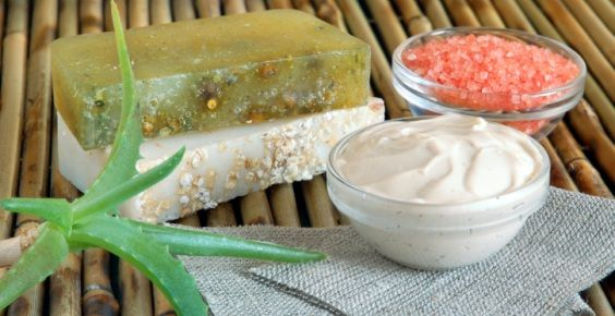 5 Scrub per il corpo ed esfolianti vegan fai-da-te per una pelle da vacanza