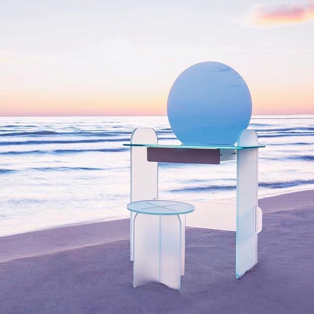 Enjoy The #seaview w/ @tonelli_design