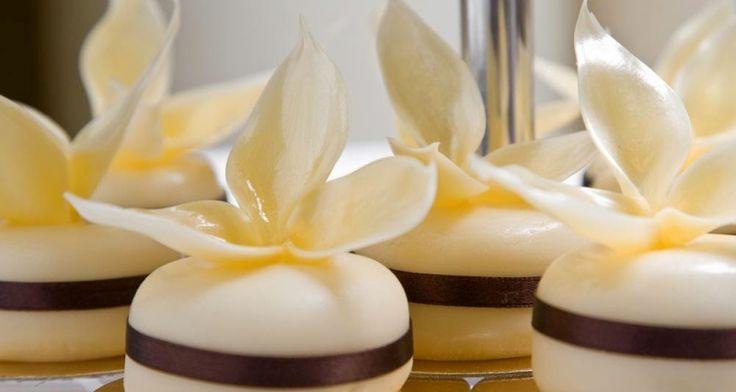 Esküvői édességek lépésről-lépésre! Avagy, milyen szempontokat kell követni a torták, desszertek és sütemények kiválasztásakor... - Őszi Esküvő Kiállítás - 2015. november 7-8 - Hungexpo G Pavilon