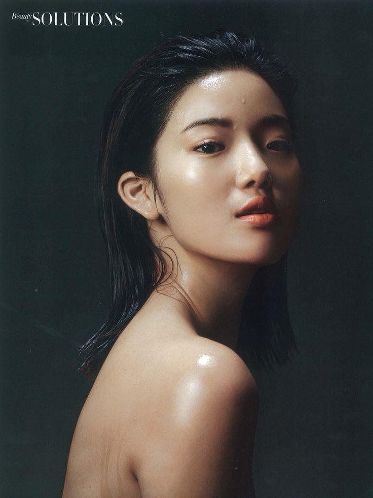 Ouyang Jing  Height:178  Bust: 81  Waist: 58  Hips: 86