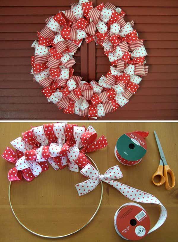 decorações de natal diferentes e baratas com fitinha de laço de embrulho