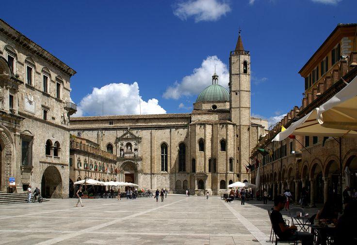 https://flic.kr/p/JrLGcV   Ascoli Piceno, Piazza del Popolo, Chiesa di San Francesco