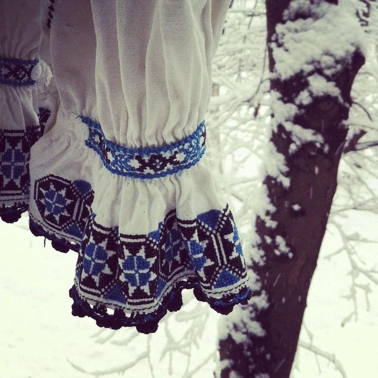 O ninsoare de poveste si stele in opt colturi brodate acum acum 70 de ani intr-o casa de la poalele muntilor Fagaras.
