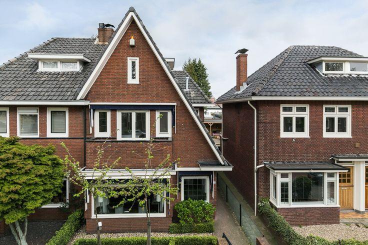 My home. Een huis.... anders dan andere huizen!   Karakteristiek, sfeervol, eigentijds, leuke speelse indeling, een heerlijke achtertuin en een mooie ligging aan de statige singel gelegen. De woning is met een zeer goed oog voor de originele sfeer gemoderni