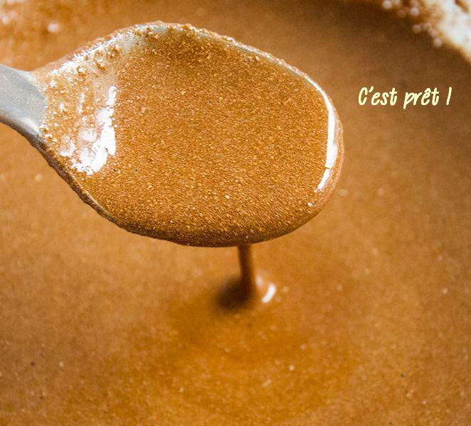 ECLAIRCIR LES CHEVEUX DE 2 TON  -  Mettez ces 3 ingrédients sur vos cheveux ! le résultat est étonnant  3 cuillères à soupe de miel  3 cuillères à soupe de cannelle  5-6 cuillères à soupe d'après-shampoing  A tester je dirai