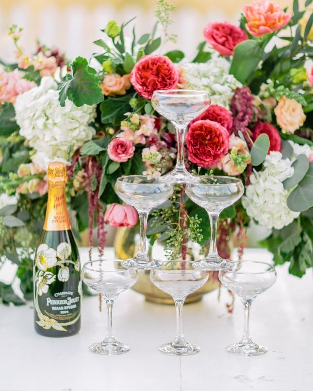 Coupes and champagne   http://www.adornmagazine.com   Images by Rachel May Photography