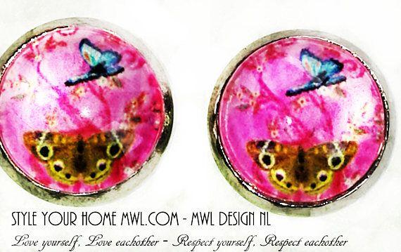 Bekijk dit items in mijn Etsy shop https://www.etsy.com/nl/listing/537956234/vlinder-knop-oorbellen-12-mm-mwl-design