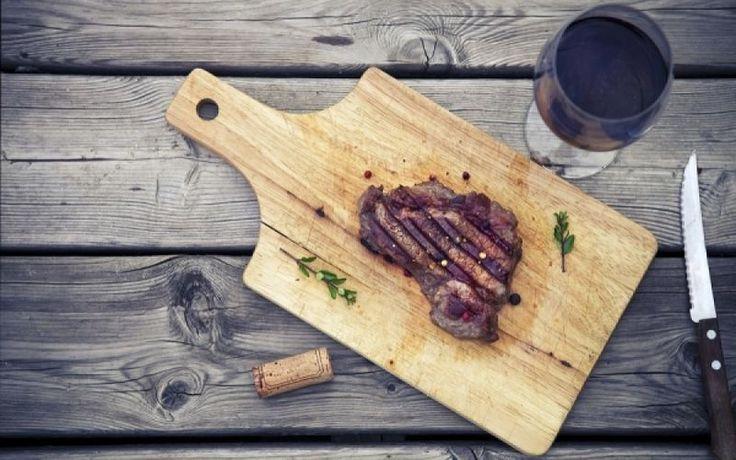 Κόκκινο κρέας & καρκίνος: Ποιες ποσότητες φρέσκου και επεξεργασμένου κρέατος συνιστούν οι ειδικοί μετά την προειδοποίηση του ΠΟΥ