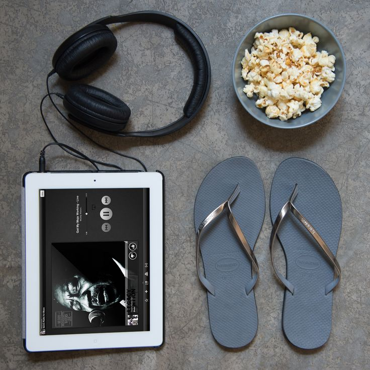 It's cold outside? Don't compromise on comfort at home. Turn on your favourite box set, pop some corn, slip into Havaianas. Thank us later. www.havaianas-store.com