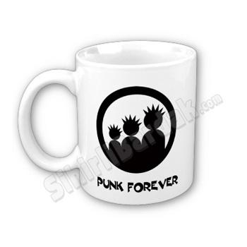 Komik hediyeler ile çay ve kahve keyfinizi daha keyifli bir hale getirebilirsiniz. Punk Forever Bardak seçenekleri için tıklayın.  http://www.sihirlibardak.com/komik-tasarimlar/punk-forever.html