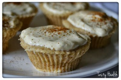 2 minutes Banana and cinnamon cupcakes with vanilla andpeanut rosting
