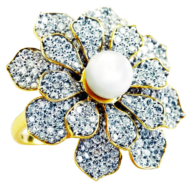 Floral motif cocktail ring from Manubhai jewellers