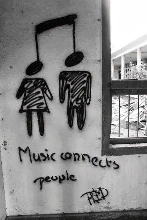 Did you meet someone special at a concert? Did you know he/she was the one because of the band you both like? Music creates bridges in relationships.  #musicalconnection #love #friendship