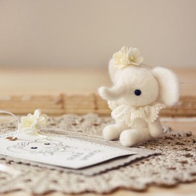 teeny tiny lulluphant: Yellow Flowers, Dolls, A Little Princesses, White Elephants, Photo, People, Needlefelt, Whipped Cream, Needle Felt
