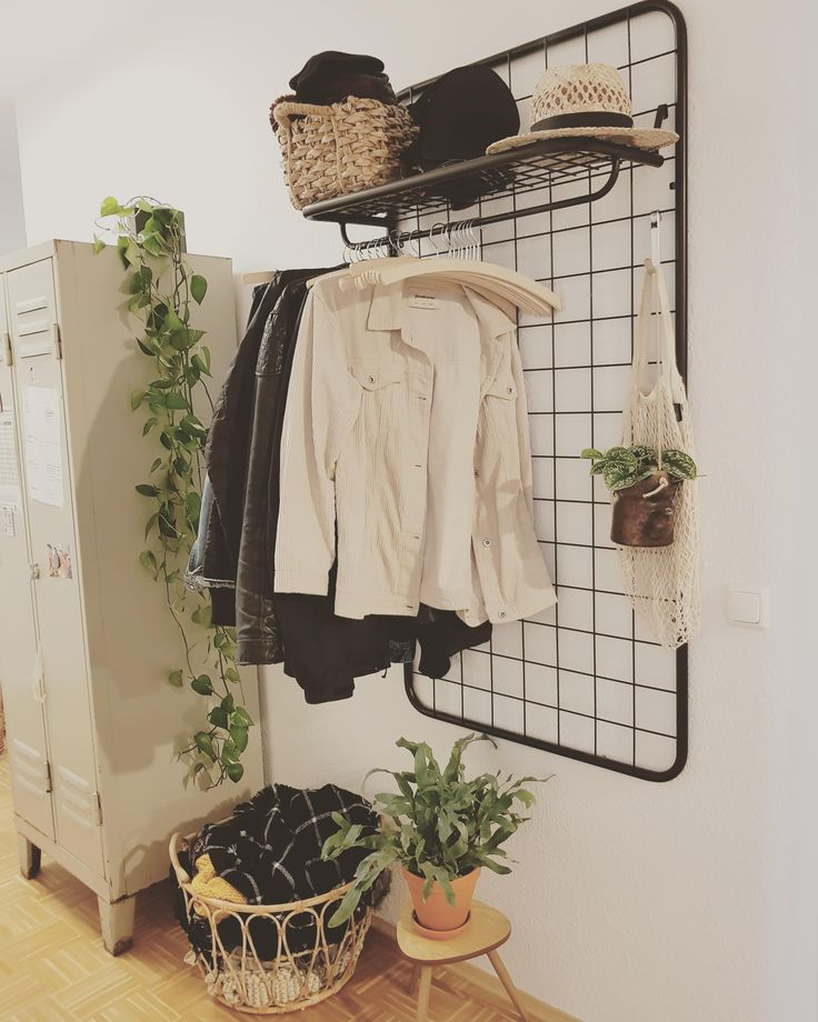 Garderobe #flur #garderobe #50er #spind #rattan #ra…
