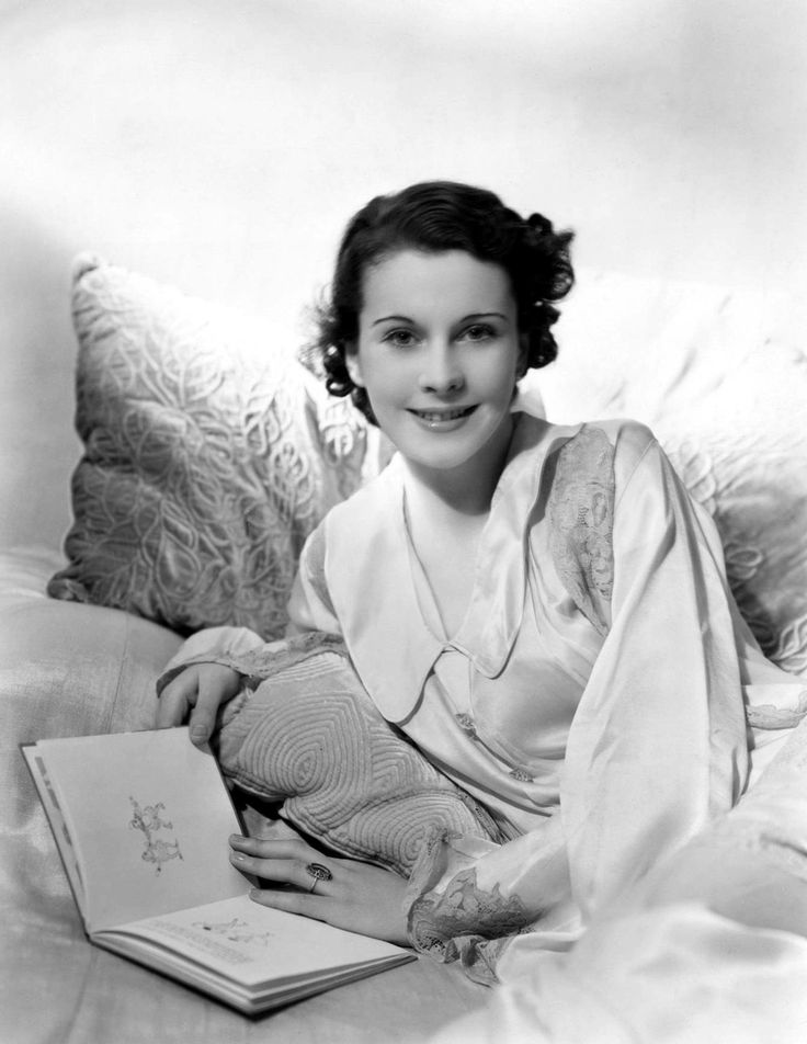 Vivien Leigh reading, 1930s. Leigh (English, 1913-1967) enrolled at London's Royal Academy of Dramatic Art in 1932.
