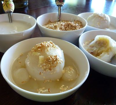Chè Trôi Nước ̣(Vietnamese Mung Bean Mochi with Ginger Syrup Dessert)