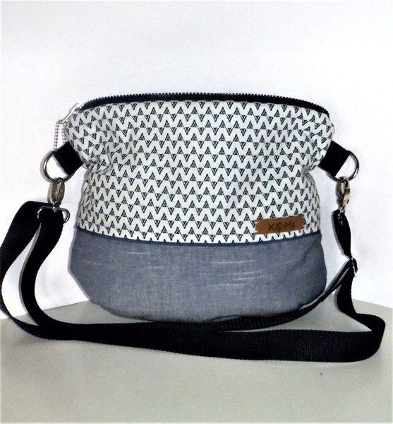 Umhängetaschen - Tasche Beutel  Claire - ein Designerstück von KiS-Ma bei DaWanda