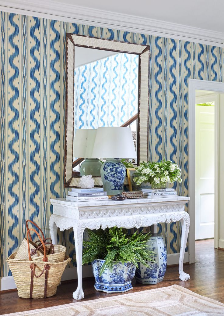 Good Sarah Bartholomew This Foyer Combines Blue And White Wallpaper With A  Wonderful Collection Of Blue And White Chinese Porcelain Includin. Good Ideas