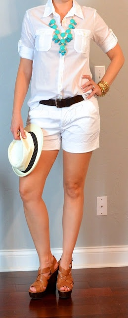 Outfit Posts: (outfits 35-40) one suitcase: beach vacation capsule wardrobe
