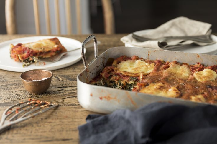 Spinach and Ricotta Cannelloni by Lizzie Hewson on www.movingouteatingin.com