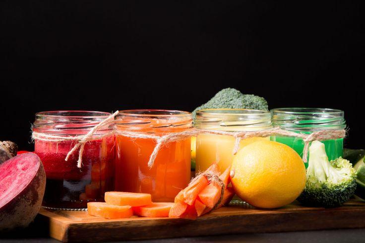 Un smoothie bogat în vitamine și nutrienți pentru micul dejun. Dificultate: ușor Timp de preparare: rapid Porții: 1 Ingrediente: 250 ml apă de cocos un praf scorțișoară 1/4 linguriță nucșoară 4 cm ghimbir, curățat 1 linguriță semințe de cânepă 1 sfeclă roșie, fiartă 1 mână afine 1 pară 1 mână kale Modalitate de preparare: Combinați …