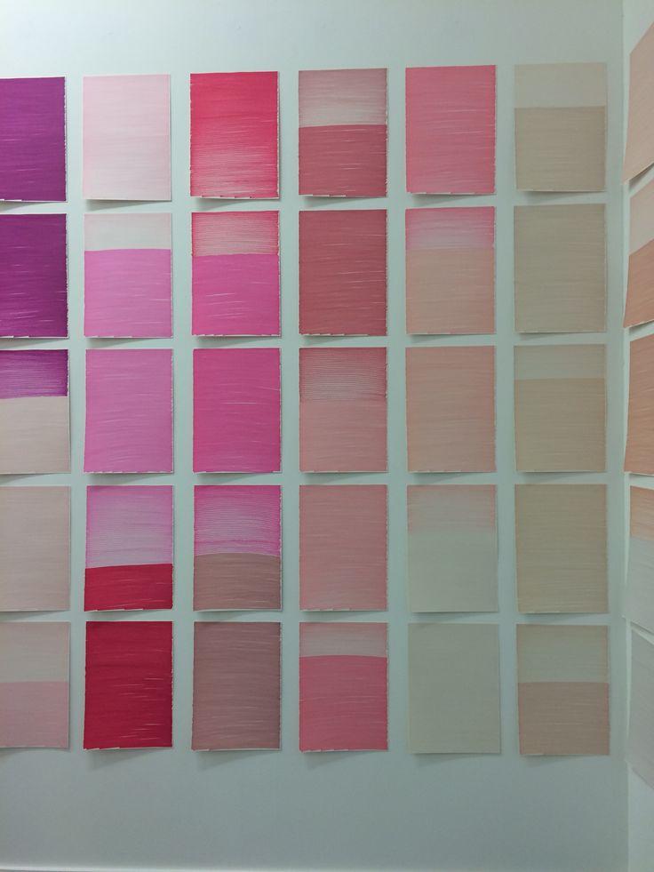 COLORS - het nutteloos in kleuren van papiertjes. Om je punt te maken.