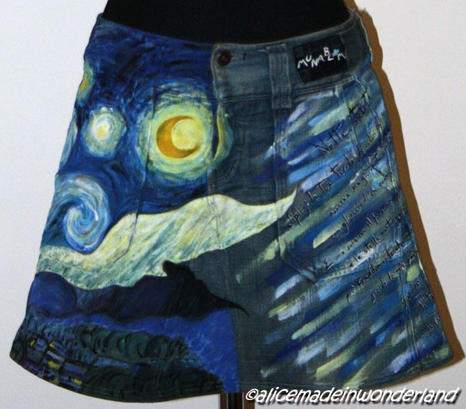 "NOTTE STELLATA: Gonna dipinta ispirata a ""Notte stellata"" di Van Gogh"