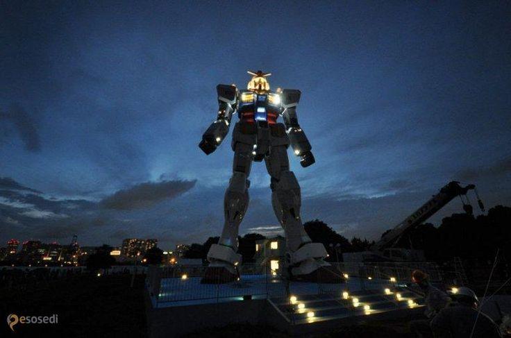 Гигантский робот Гандаму – #Япония #Shizuoka (#JP) Японцы - большие любители боевых роботов, не удивительно, что одному из таких установили гигантский памятник. http://ru.esosedi.org/JP/places/1000195536/gigantskiy_robot_gandamu/