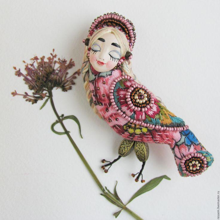 "Купить Брошь ""Сирин . Спящая красавица"" - Сирин, птица счастья, брошь птица, брошь с лицом. Materials: natural silk, floss LCA (dms), Czech beads, beads Japanese wire"