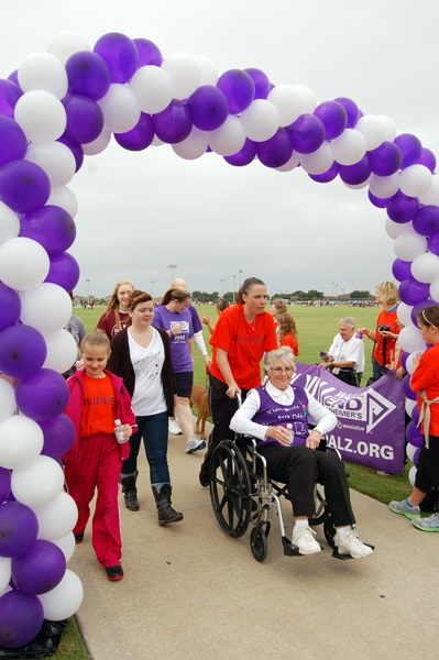 Volunteers are doing their part by cheering on those Walking to End Alzheimer's