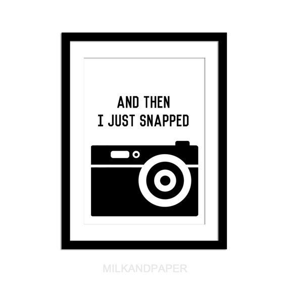 and then I just snapped , 8x10 inches graphic print , wall art , black and white , camera on Etsy, 79,41 kr