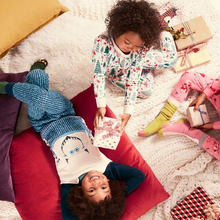 Slumber party girls pajamas wedgie — pic 15