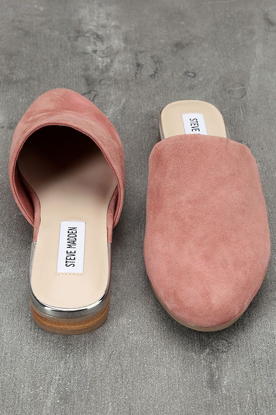 Oh, snap! The Steve Madden Snapp Rose Suede Leather Mules are here and we HAVE to have them! Rose pink suede leather covers the almond toe upper, while shiny silver trims the heel.