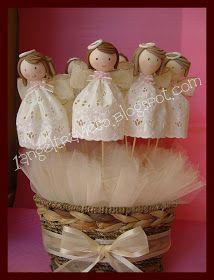 Una docena de angelitos, realizados a mano en porcelana fria, se pueden utilizar como recuerdos para un bautizo, primera comunión o pre...