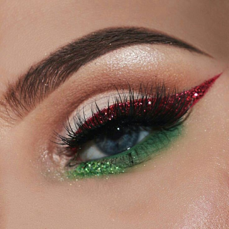Christmas Vibessss. For more images like this follow me @ Ahna Blogs :)