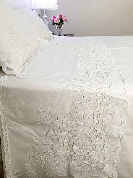 9a15033919 Jogo de cama vira queen bordado richelieu 230 fios veneza (3 peças ...