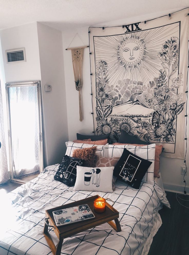 wall tapestry from urban outfitters – A mix of mid-century modern, bohemian, and industrial interior style. Home and apartment decor, decoration ideas…