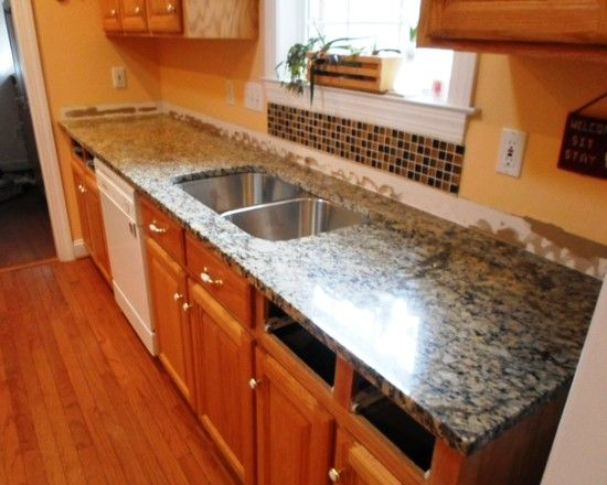Light Wood Cabinet Perfectly Combined With Granite Countertops Beautiful Small Kitchen Design