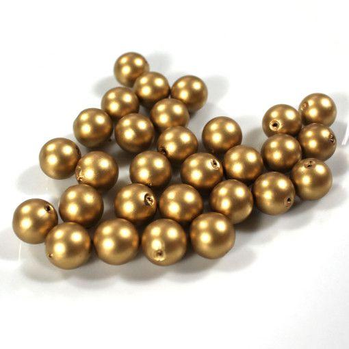 Smart perle der pynter i alle dekorationer. Drys den på et dekorations fad, ellers sæt dem på tråd og drej dem rundt om en vase eller buket. Der er hul igennem perlen, så den også kan sættes på tråd.
